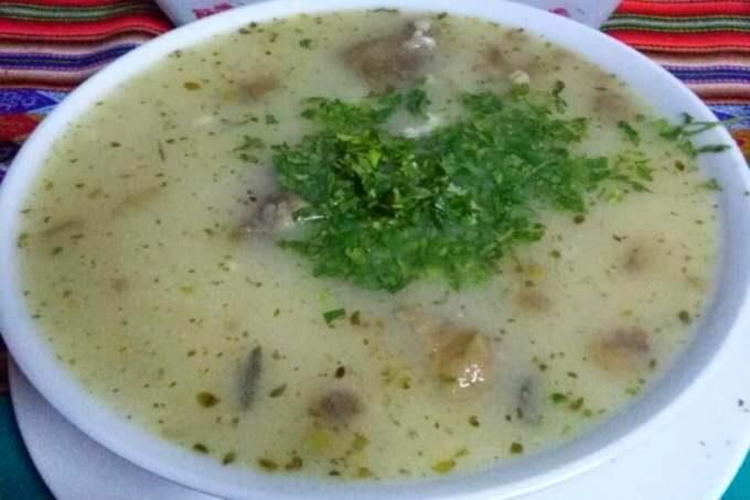 imagen de sopa de trigo peruana